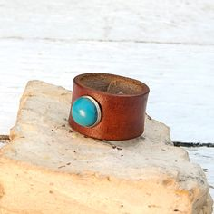 Leather ring for women girls Hand dyed with Turquoise by Jullyet