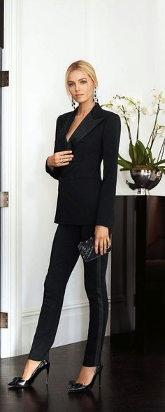 Decoding work wear codes: how to dress business casual Mode Outfits, Fashion Outfits, Womens Fashion, Fashion Trends, Trendy Fashion, Fashion 2015, Suit Fashion, Modern Fashion, Fashion Clothes