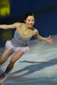 Kim Yuna, Sexy Hot Girls, Cute Girls, Medvedeva, Ice Skating Dresses, Dynamic Poses, Cute Girl Outfits, Female Poses, Athletic Women