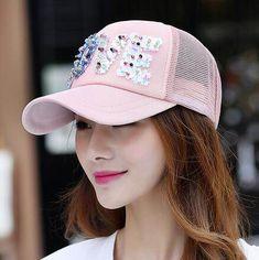 b395185c396 Love sequins baseball cap for teenage girls UV protection trucker caps
