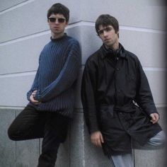 Find images and videos about oasis, noel gallagher and liam gallagher on We Heart It - the app to get lost in what you love. Great Bands, Cool Bands, Liam Gallagher Noel Gallagher, Liam Oasis, Oasis Music, Oasis Band, Liam And Noel, El Rock And Roll, Britpop