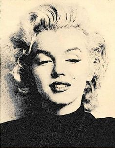 Marilyn Monroe photographed by Ben Ross, Dec 1953 Marylin Monroe, Marilyn Monroe Artwork, Beautiful Soul, Most Beautiful Women, Norma Jeane, My Beauty, Beauty Photography, Classic Hollywood, Lazy Outfits