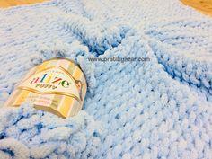 Pratik Yazar, Örgü Modelleri, El İşi Örnekleri, Yemek, Tatlı Tarifleri » Alize Puffy (Pufi) Örgü İpi ile Bebek Battaniyesi Nasıl Yapılır? (Baştan Sona Anlatım) – örgü kanalı Knitting Socks, Knitting Needles, Beach Mat, Knitting Patterns, Outdoor Blanket, Pouch, Stitch, Knit Socks, Knit Patterns
