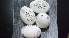 Tradičně+netradiční+Kachní+vajíčka+bílé+barvy,+vrtané+a+zdobené+bílým+voskem.Velikost+vejce+je+cca+6-7+cm.+Cena+za+1+kus.
