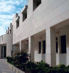 Fassade Grolla Rosa sandgestrahlt http://marmor.premiumstone.eu