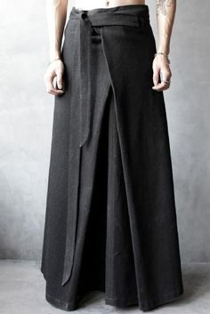 InAisce Pilgrim Skirt – light looks natural, quite soft and comfy Wrap pants – Men's style, accessories, mens fashion trends 2020 Man Skirt, Skirt Pants, Mode Style, Style Me, Look Fashion, Womens Fashion, Fashion Design, Fashion Ideas, Wrap Pants