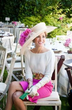 The Kentucky Derby is here! Derby season kicks off the Spring hat season! First it's the Derby and then the Central Park Conservancy's annual Frederick Law Olmsted Luncheon this Wedne… Kentucky Derby Outfit, Kentucky Derby Fashion, Chapeaux Pour Kentucky Derby, Derby Outfits, Derby Day, Derby Time, Fancy Hats, Big Hats, Ascot