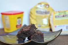brownies made with coconut flour... i freaking love coconut flour.