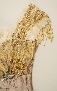 Evening dress detail - Jacques Doucet v 1900s Fashion, Edwardian Fashion, Vintage Fashion, Edwardian Dress, Fashion Art, Vintage Gowns, Vintage Lace, Vintage Outfits, Historical Costume