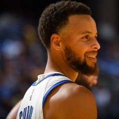 Stephen Curry Pictures and Photos - Getty Images Curry Basketball, Nba Basketball, Stephen Curry Haircut, Wardell Stephen Curry, Nba Stephen Curry, Stephen Curry Pictures, Warriors Game, Derrick Rose, Larry Bird