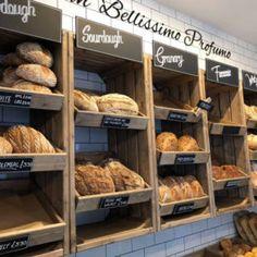 Bakery wall display, chunky crates from linkshelvings artisan crate range of shop shelving Bakery Shop Interior, Bakery Shop Design, Coffee Shop Design, Cafe Design, Design Design, Design Ideas, Rustic Bakery, Bakery Decor, Pub Decor