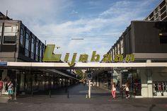 Entrance Korte Lijnbaan shopping centre Rotterdam Centre #Rotterdam #010 #Holland #Netherlands #City #Centre #Centrum #Stad #Citylife #Urban #Architecture #Building #Buildings #Stadsleven #Nederland #Dutch #Roffa