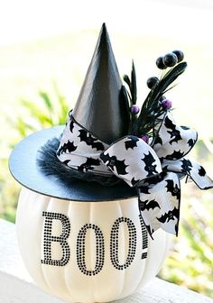 34 Chic Glam Halloween Décor Ideas | DigsDigs