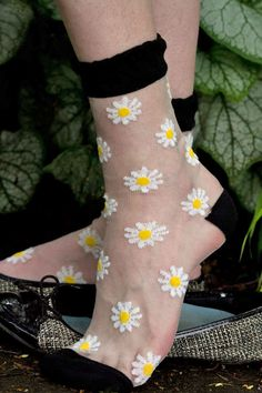 Daisy Sheer Crew - Sock Dreams
