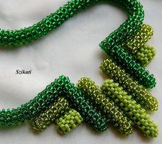 FREE SHIPPING Green Seed Bead Statement Bib Necklace от Szikati