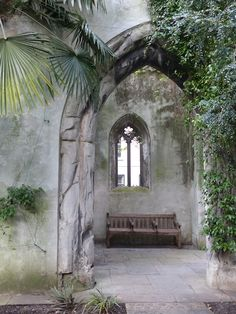 St. Dunstan Garden, London. Created from the ruins of church damaged in WWII http://www.trailheadstudios.com/blog.html