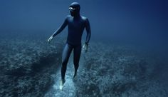 Surreal freediving f