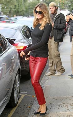 ElleMcpherson/red leather pants