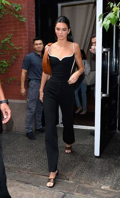 No One Should Be Sleeping On Kendall Jenner's New York Fashion Week Style - kendall jenner style - Kendall Jenner Body, Kylie Jenner Hair, Kendall Jenner Outfits, Kendall And Kylie, Kendall Jenner Jumpsuit, Women's Dresses, Bandage Dresses, Kardashian Kollection, Kim Kardashian