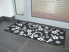 Fußmatte mit Blumenmuster von Pattern Design.