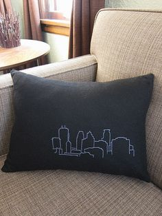 Sewing Pillows I'm going to eventually do this, but make them the length of the pillow and do a London skyline, a Paris skyline, a NYC skyline, ect. Sewing Pillows, Diy Pillows, Custom Pillows, Throw Pillows, Fur Pillow, Pillow Room, Neck Pillow, Decorative Pillows, Nyc Skyline