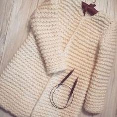 Haraşo Bayan Hırka Modelleri - Mimuu.com Knitting, Sweaters, Fashion, Amigurumi, Tejidos, Moda, Tricot, Fashion Styles, Breien