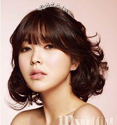 for short and mid length hair styling 6 / Korean Concept Wedding Photography - IDOWEDDING (www.ido-wedding.com)