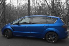 Ford S-Max in blue matte color