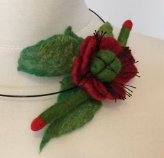 Felted red poppy flower necklace, wool necklace, woolen accessory, Felted collar, Gift for her Red Poppies, Flower Necklace, Poppy, Merino Wool, Gifts For Her, Felt, Trending Outfits, Unique Jewelry, Handmade Gifts