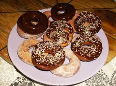 Doce Mel: Donuts na Bimby Chocolate, Bagel, Doughnut, Bread, Desserts, Food, Recipes, New Recipes, Sweets