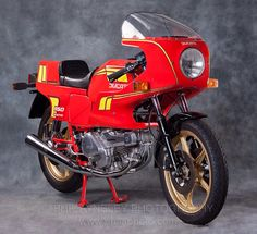 DUCATI 650 Pantah. I absolutely love these bikes. I love the colour, the styling, the 650 designation and the fact that they sound just like the bigger 900cc bikes too. So rare and such a beautiful motorcycle..