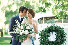 romantic ivory and green tuscan wedding flowers, cradle style bouquet, wedding flowers utah calie rose, car wreath www.calierose.com