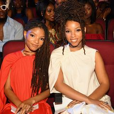 Chloe Bailey and Halle Bailey Bet Awards, Chloe Halle, Famous Sisters, Cry Like A Baby, Pretty Hurts, Dreadlock Hairstyles, Twin Girls, My Black Is Beautiful, Locs