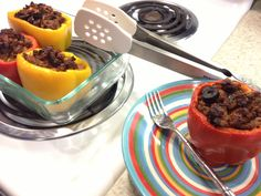 Paleo Pizza Stuffed Peppers – The Foodee Project