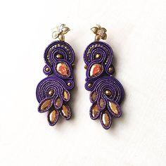 #soutache #soutacheearrings #bigearrings #earrings #statementjewelry #handmade #handmadejewelry #cercei #madeinromania #statementearrings #fattoamano #orecchini #swarovski #swarovskicrystals #gold