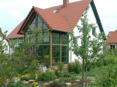 http://www.blankefenster.de/wp-content/uploads/2013/07/Zahlreiche-Fenster-Fl%C3%A4chen-an-einem-Wintergarten-%C2%A9-hans-PIXELIO-www.pixelio.de_.jpg