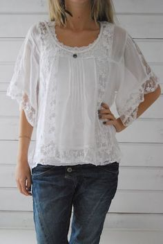 Image: Pretty lace blouse with jeans - love this! Beautiful Blouses, Beautiful Outfits, Cool Outfits, Mode Style, Style Me, Boho Fashion, Fashion Outfits, Womens Fashion, Mode Ab 50