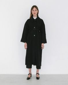 Samuji Bunko Coat in Black | The Dreslyn