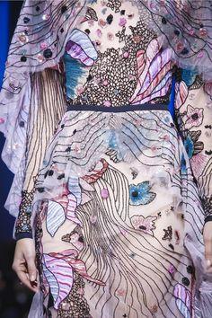 Elie Saab Ready To Wear Herbst Winter 2017 Paris - Elie Saab Modenschau Ready to Wear Kollektion Herbst Winter 2017 in Paris - Fashion Week Paris, Live Fashion, Runway Fashion, Fashion Show, Fashion Outfits, Latest Fashion, Elie Saab Couture, Winter 2017, Fall Winter