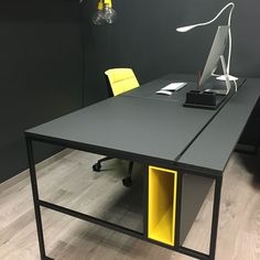Officetable from MDF Italia - Zimmereinrichtung Office Table Design, Industrial Office Design, Office Furniture Design, Home Office Setup, Office Workspace, Office Interior Design, Office Interiors, Steel Furniture, House Design