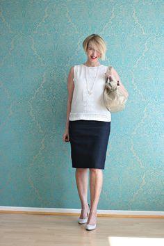 Glam up your Lifestyle : Jeansrock klassisch für das Büro gestylt