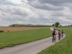 Über die Hügel des Luzerner Hinterlandes – In der Natur unterwegs Country Roads, Tours, Nature, Travel