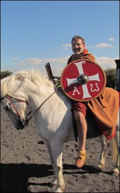 comitatus anglo saxon Anglo saxon comitatus relationship 1 the relationship of loyalty between the germanic eorl and his thanes was first described by the roman historian, tacitus (55-117 ce), in one of his major works, germania, dealing with the german tribes.