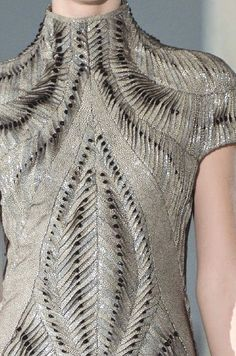 PRINTS, PATTERNS, TRIMMINGS AND SURFACE EFFECTS FROM PARIS FASHION WEEK (A/W 14/15 WOMENSWEAR) From Paris womenswear catwalks, beautiful details and inspirations. Iris Van Herpen