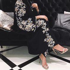 #modestfashion #abayafashion #abayastyle #blogger #abaya #muslimahfashion #muslimah #arabicstyle