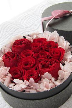Dozen Rose Box Flower Propose プロポーズにダーズンローズのリングピローをhttp://www.fleuriste-glycine.jp/