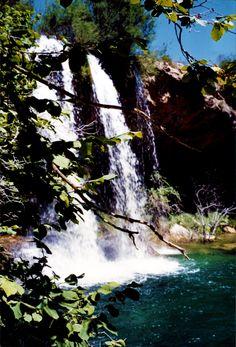 No hace falta irse a Bali o Nueva York para encontrar rincones con magia. Este está muy cerca nuestro, en la Sierra de Albarracín (Teruel), y nos encanta visitarlo de vez en cuando.