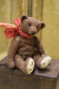 "STIEFF BEAR HOLIDAY SANTA BEAR MINIATURE  MOHAIR BEAR JINGLE BELL HAT  4.5/"" NEW"
