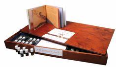 Развивающая игра - набор Арома Бар 60. 60 моно-ароматов помогут вам развить обоняние и улучшить память! Играйте на здоровье! Сделано в Германии. Заказывайте в фирменном магазине: http://thewinehouse.ru/aroma