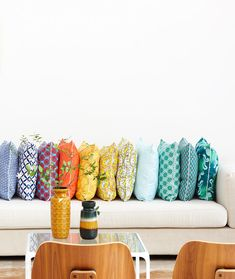 After starting out with just a stationery collection, Nala Designs has now expanded to include textiles and home accessories, which dra. My Living Room, Home And Living, Diy Pillows, Cushions, Decorative Pillows, Blog Vintage, Boutique Vintage, Interior And Exterior, Interior Design